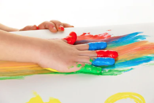 Child paint play