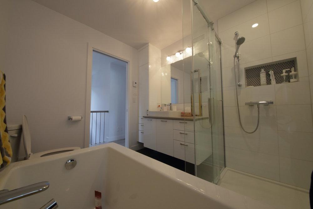 2967, De la Rochelle_salle bain.JPG