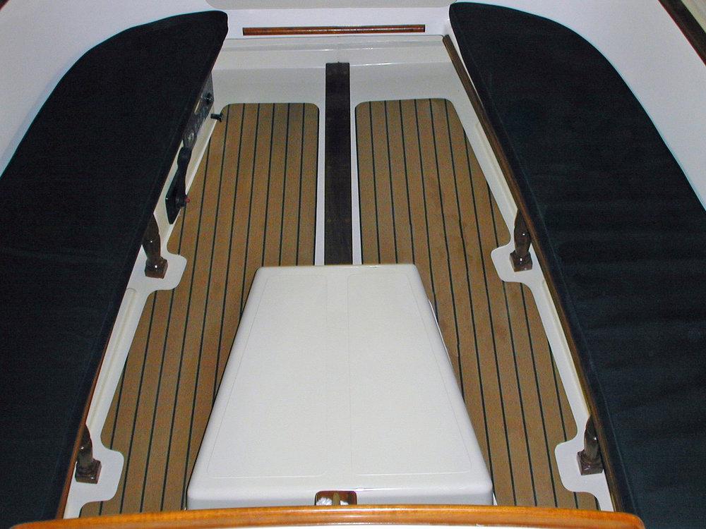 sanderling cockpit.jpg