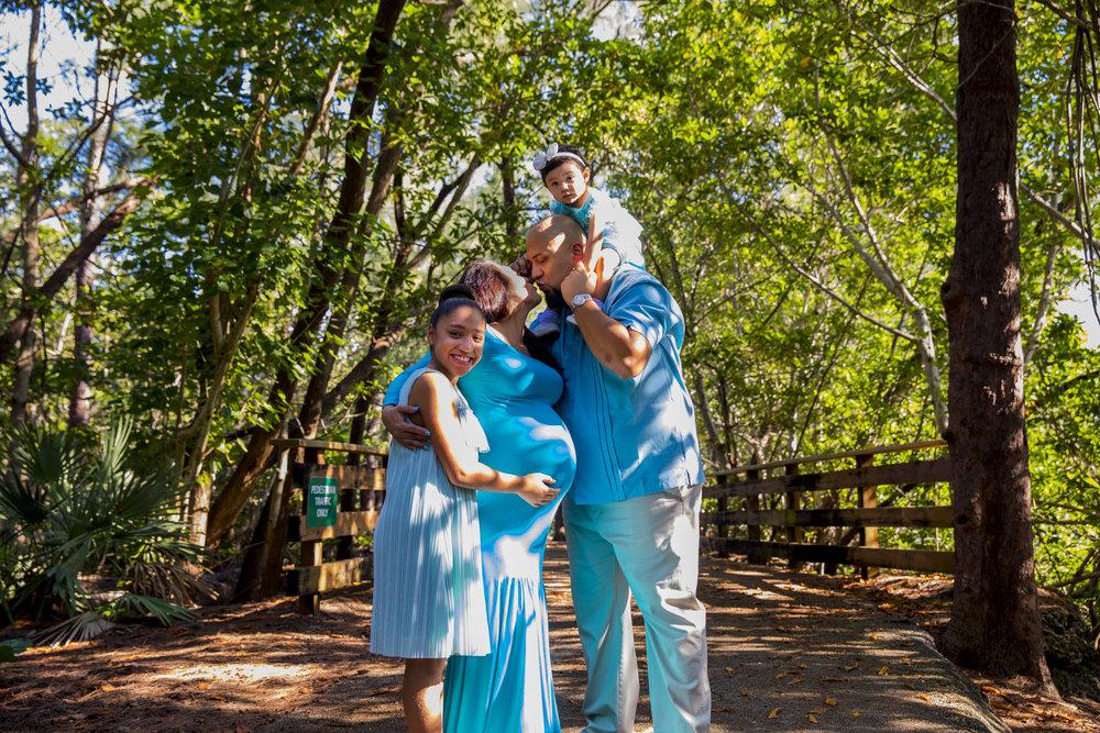 greynolds-park-miami-maternity-75.jpg