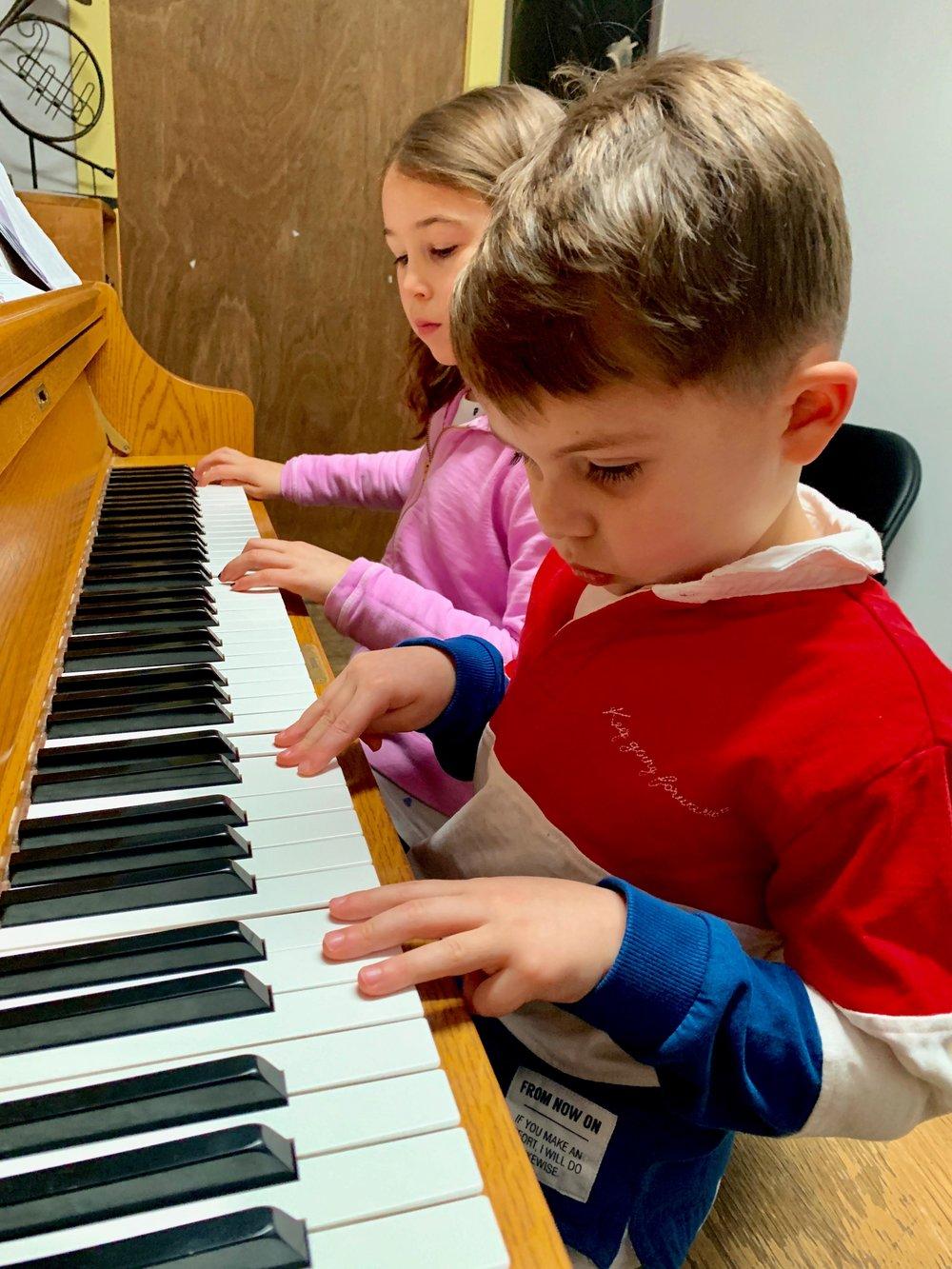 piano kids.jpg