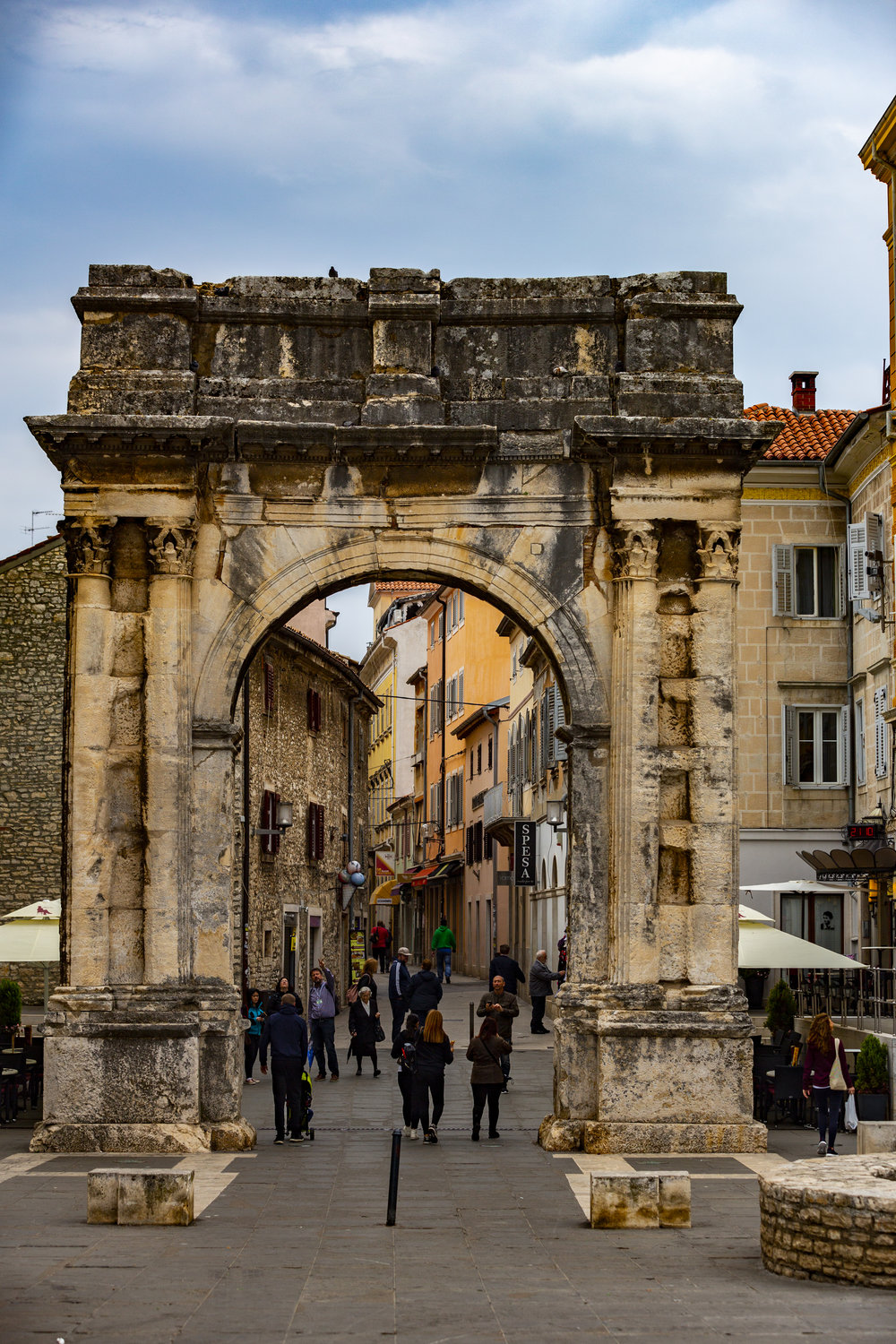 Arch of the Sergii's in Pula town