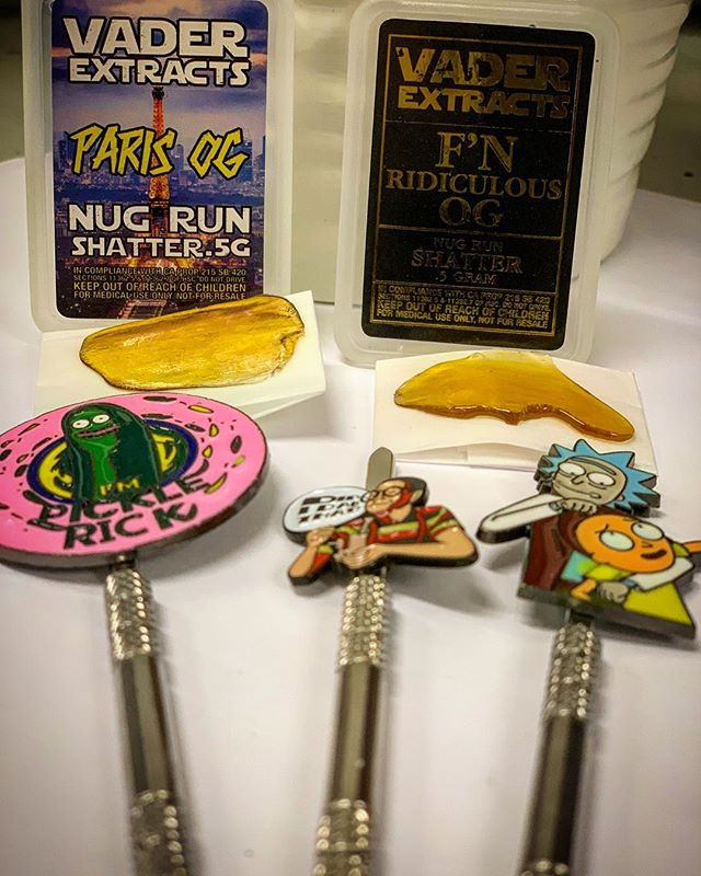 🚨NEW PRODUCT ALERT 🚨  VADER EXTRACTS NUG RUN SHATTER .5g 40$😱 We got some FRESH Rick N Morty dab tools and much much more! Come thru and get 5$ off of your  25$+ donations 💰💰💰 @vaderextracts  #dab #weed #nug #stoner #pasadena