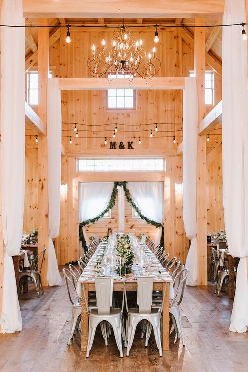 Katelyn Matts Classic Barn Wedding In Maine Pinch Me Planning