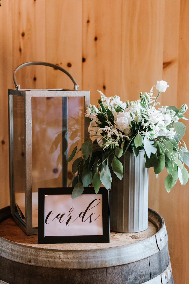 barn-wedding-cards-table.jpg