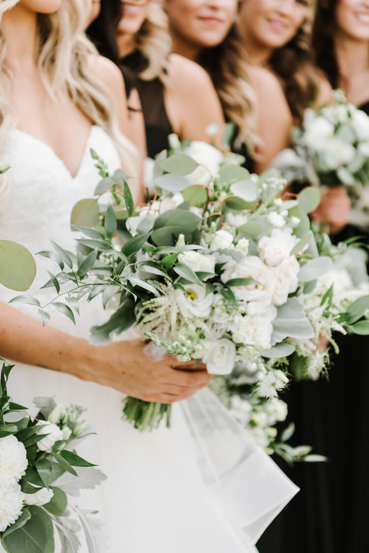 white-and-green-bridal-bouquet.jpg