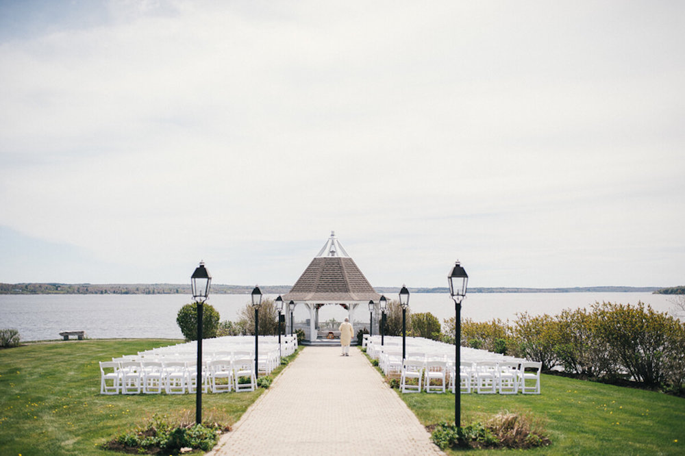 Frenchs-Point-waterfront-wedding-ceremony.jpg