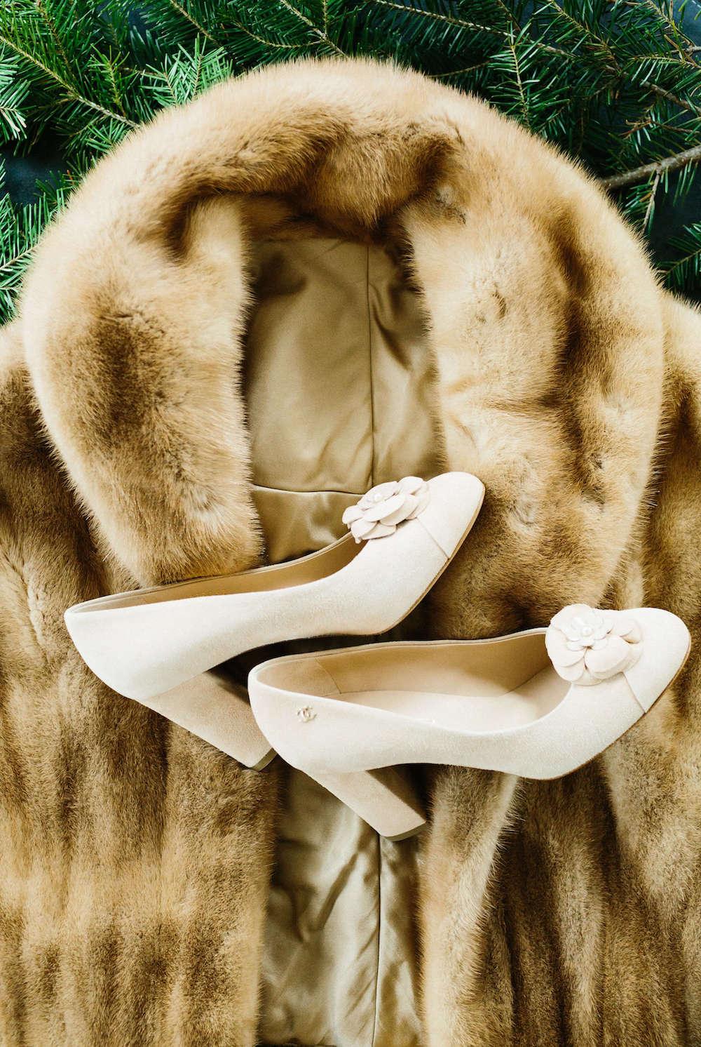 winter-wedding-accessories-fur.jpg