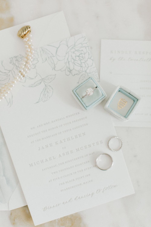 simple-elegant-wedding-invitation-suite.jpg