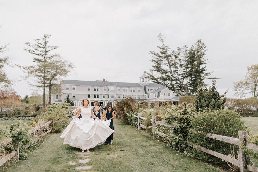bridal-party-black-point-inn-wedding.jpg