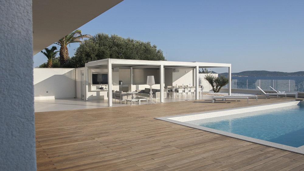 Decor-Design-notranje-oblikovanje-oprema-vila-bibinje_bazen-terasa-zunanje-pohištvo.jpg