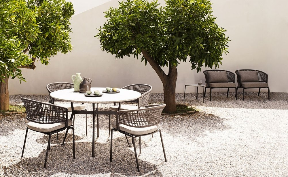 branch-branch-outdoor-table-round-branch-bistro-125cmgranite-top-contour-armchairs-1620x760.jpg