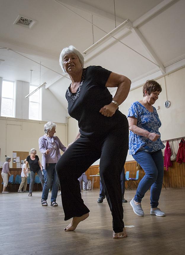 dancing-divas-4.jpg