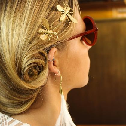 We love bees !! Pics à cheveux Joséphine @lescerisesdemars Boucle d'oreille Daisy @lescerisesdemars