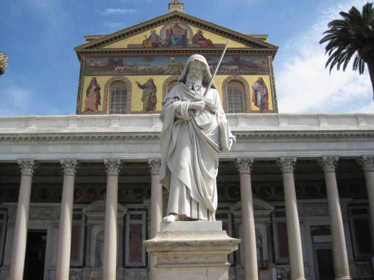 Basilica of saint paul statue.jpg
