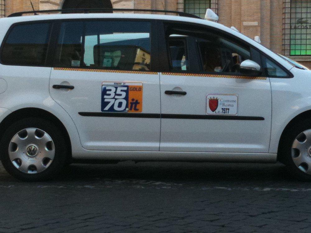taxi in rome.jpg