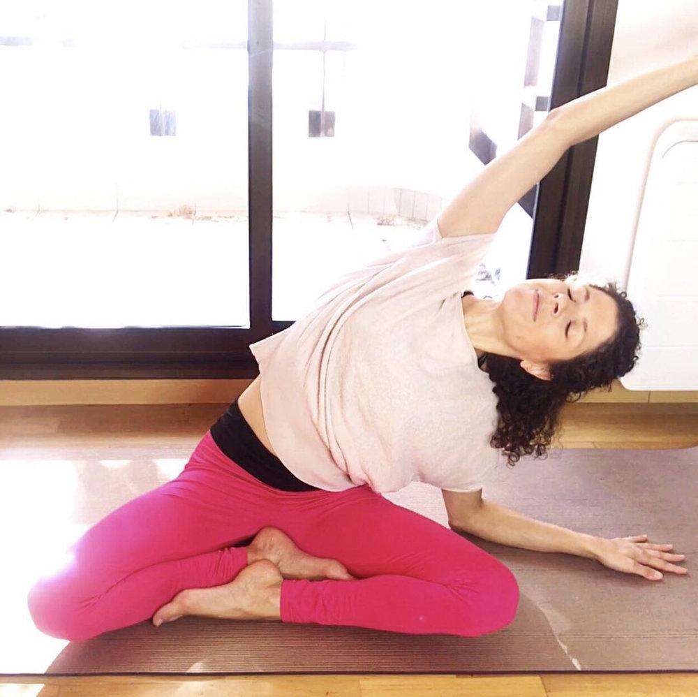 yoga chez soi : les videos - Profitez de 15 minutes de yoga guidées dans votre salon !