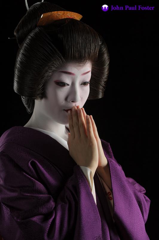 Geisha Makiko in Deep Purple