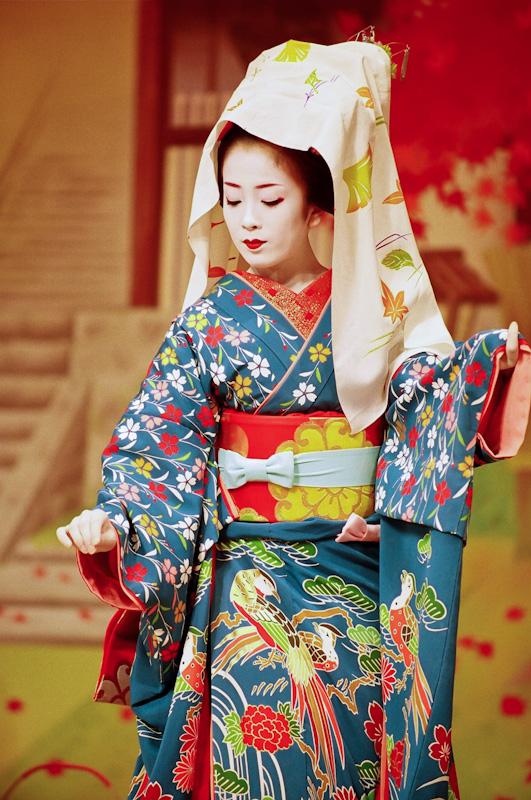 Makiko-at-Miyako-Odori-1