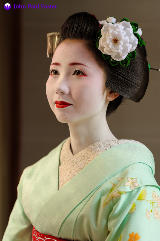 Mamehana_of_Gion_Kobu_as_a_Maiko-1
