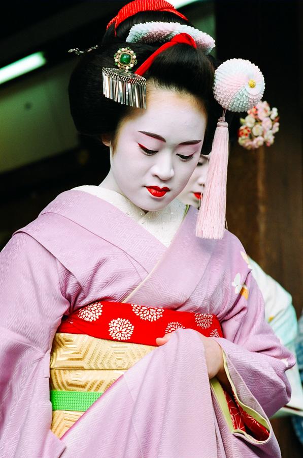 The maiko Masayo during Setsubun at Yasaka Shrine in Kyoto