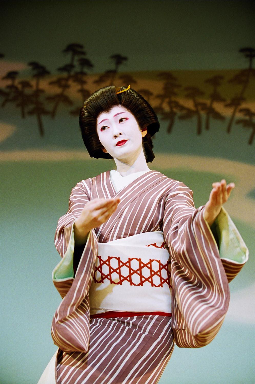 Kimina in Dance of Flowery Beauties 3.jpg