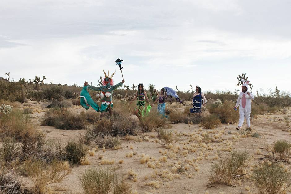 Mermaid Parade in Joshua Tree, CA 2016 (Image courtesy Mikayla Whitmore and Las Vegas Weekly)