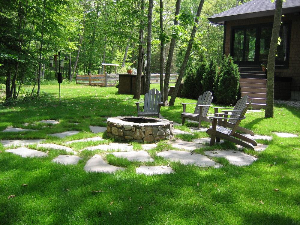 Irregular Bluestone Stepping Stones in Lawn.JPG