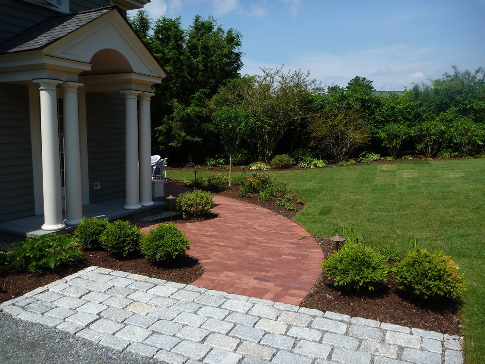 Jumbo Cobble Apron with S&H Brick Pathway.jpg