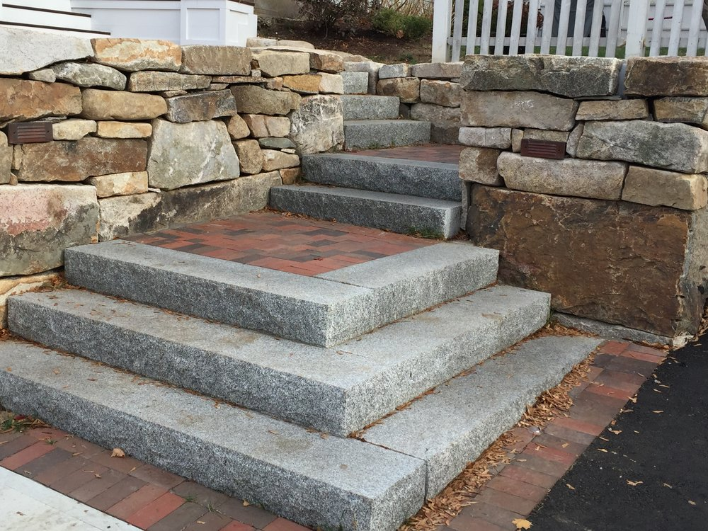 Stanstead Granite Steps with Morin Bricks.JPG