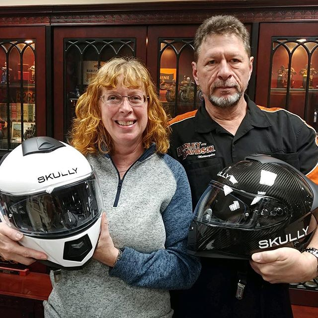 We're excited to be working with the excellent people of @harleydavidsonofcharlotte 🏍 They're a stocking dealer of the FENIX AR, so stop on by, get fitted and walk out with a shiny new FENIX AR today! 👍🏽