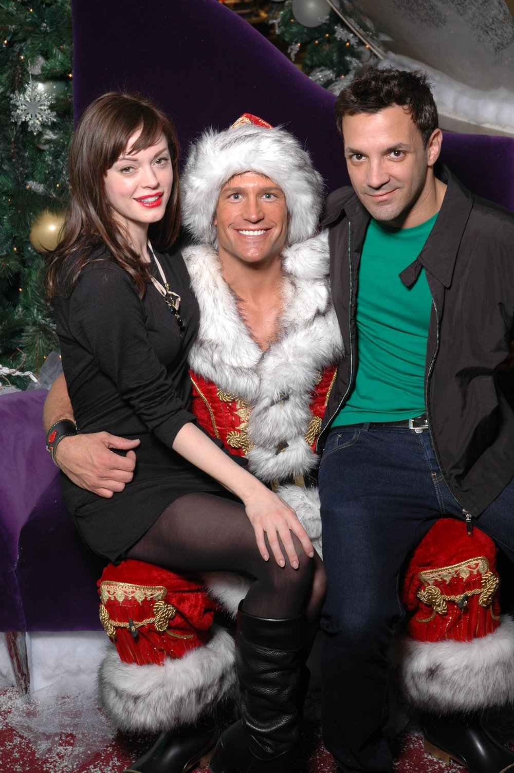 Client: The Beverly Center Hunky Santa (Kyle Shaw) with Rose McGowan +1