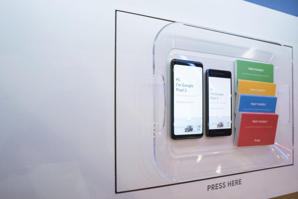 Google @ Verizon WC-Product Bar-4698.jpg