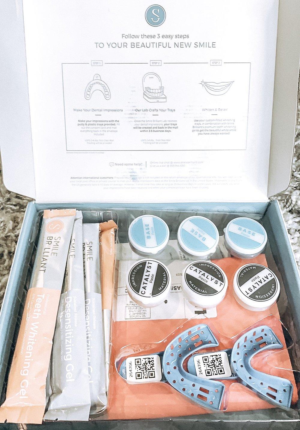 - -Impression Kit-Impression case-Whitening Gel-Desensitizing Gel-Detailed Instructions