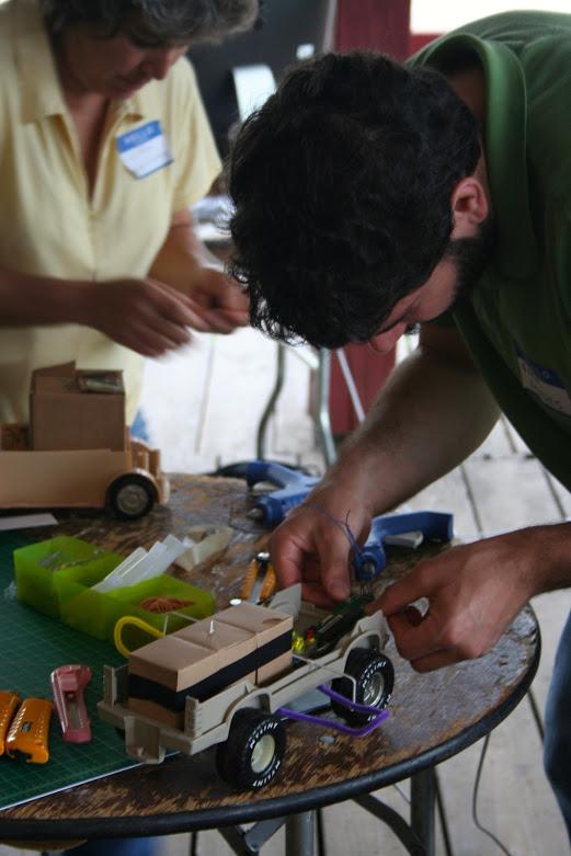 growbots-symposium_4577295568_o.jpg