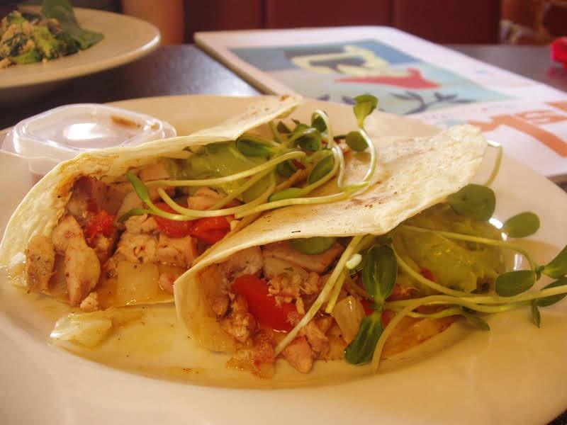 smoked-chicken-tacos--thumbs-up-diner-atlanta_153271754_o.jpg