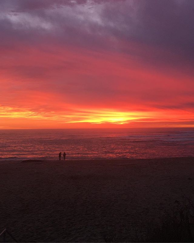 This, except surrounding you everywhere in magic hot orange pink light. 💥✨🌟 #santacruzlife