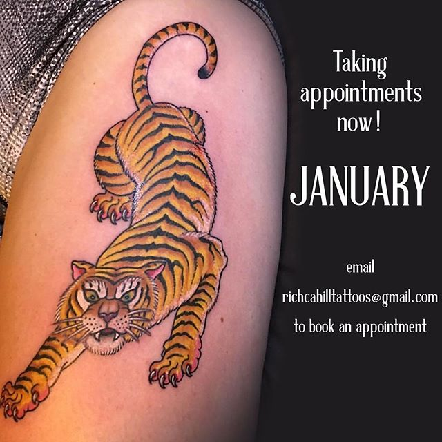 Just a reminder that I'm booking for January right now. I'm open to do whatever you have in mind. Hit me up! Cover ups, tribal, dot work, athletic tattoos, overpriced minimalism , traditional, micro's .... etc ...