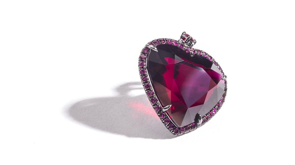 Fred Leighton Heart Pendant - Alone - photo by Andrew WernerAHW_6329.jpg