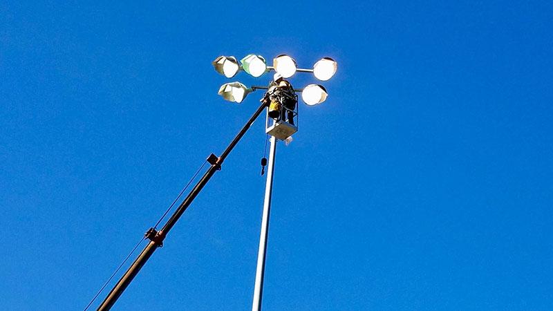 -web-pic-60-sport-field-light-maintenance.jpg