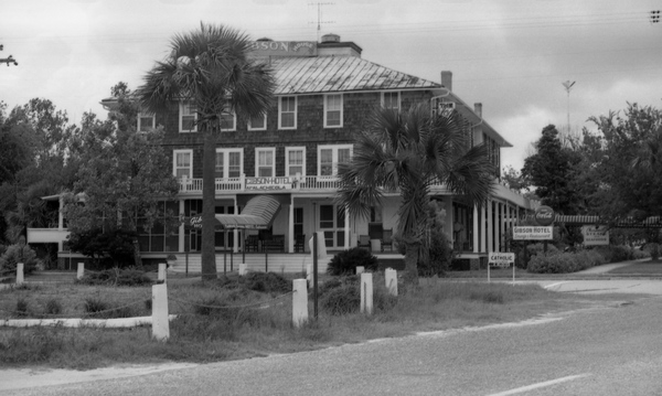 The Gibson Inn, 1964  |  Historic   Photos Courtesy of The State Archives of Florida