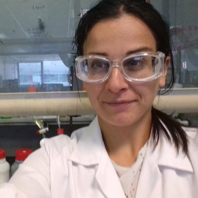 Teresa Ambrosio  @phd_to_success Specialty: Chemistry