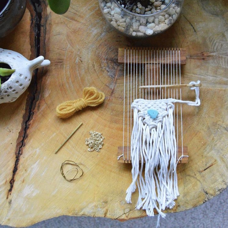 MELISSA JENKINS DESIGNS NECKLACE WEAVING WORKSHOP