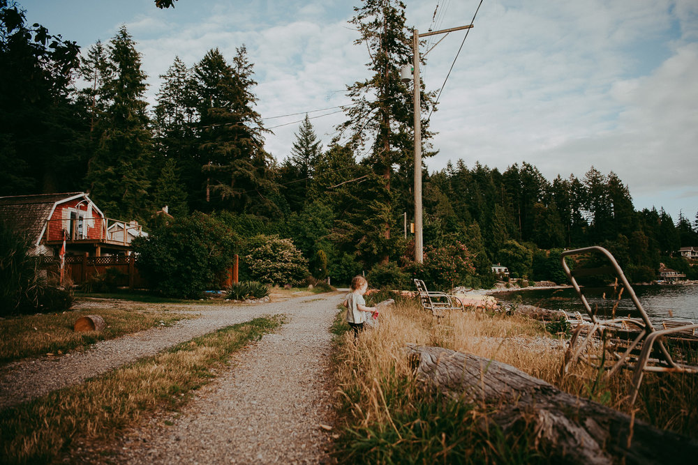 family-photographer-Sunshine-Coast-BC-halfmoon-bay-family-session-katiebowenphotography-5.jpg