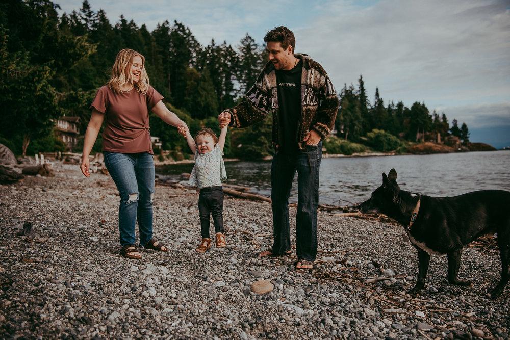family-photographer-Sunshine-Coast-BC-halfmoon-bay-family-session-katiebowenphotography-12.jpg