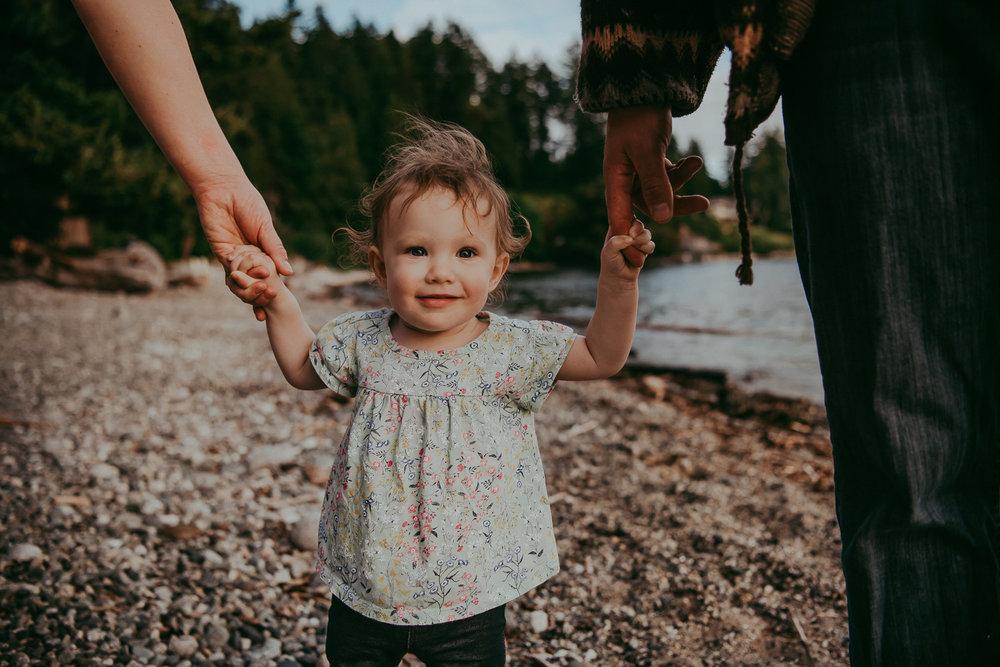 family-photographer-Sunshine-Coast-BC-halfmoon-bay-family-session-katiebowenphotography-17.jpg