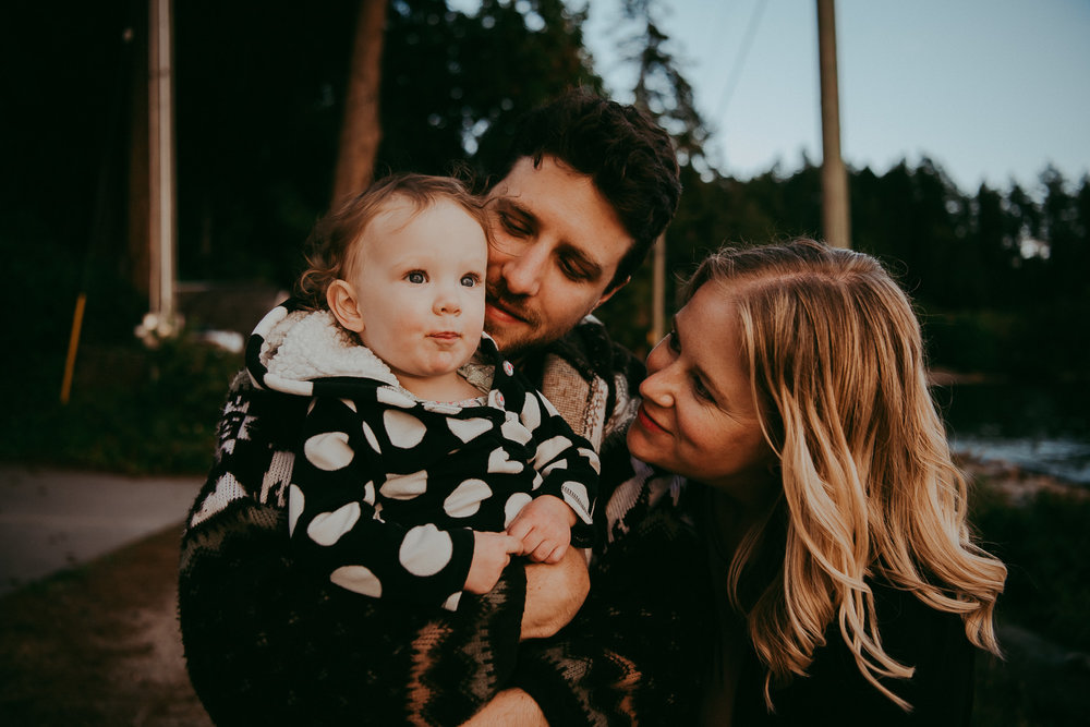 family-photographer-Sunshine-Coast-BC-halfmoon-bay-family-session-katiebowenphotography-28.jpg