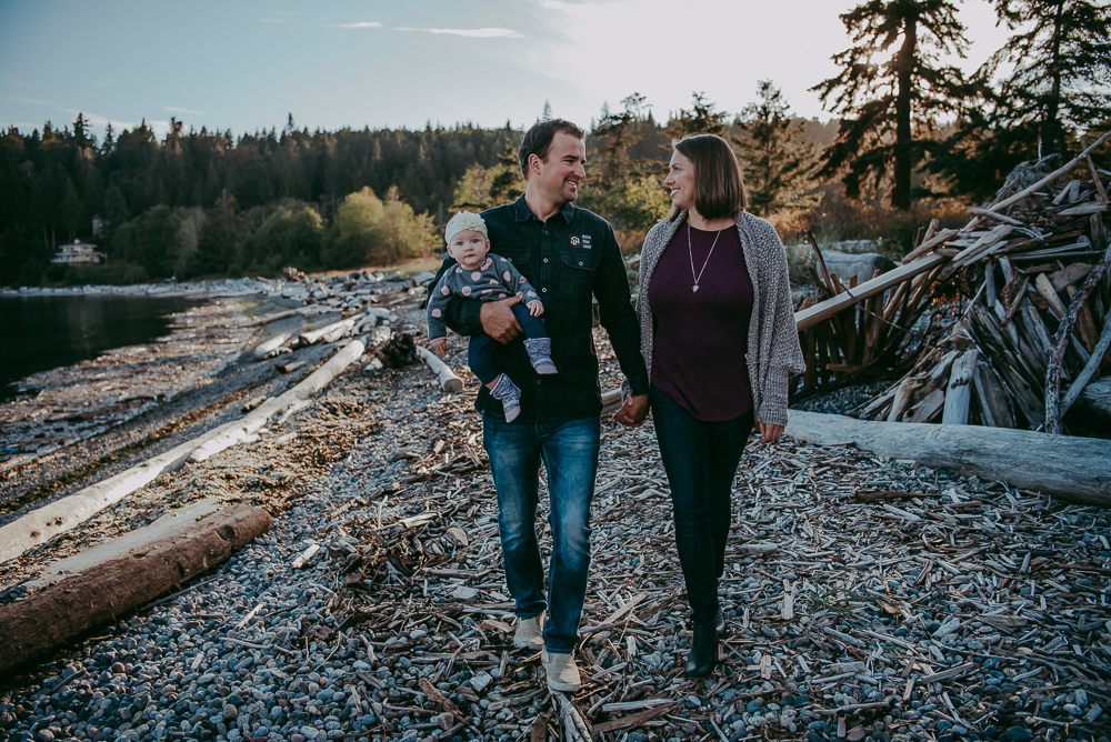 Sargent-Bay-Sunset-family-session-Sunshine-Coast-BC-Katie-Bowen-Photography-10.jpg