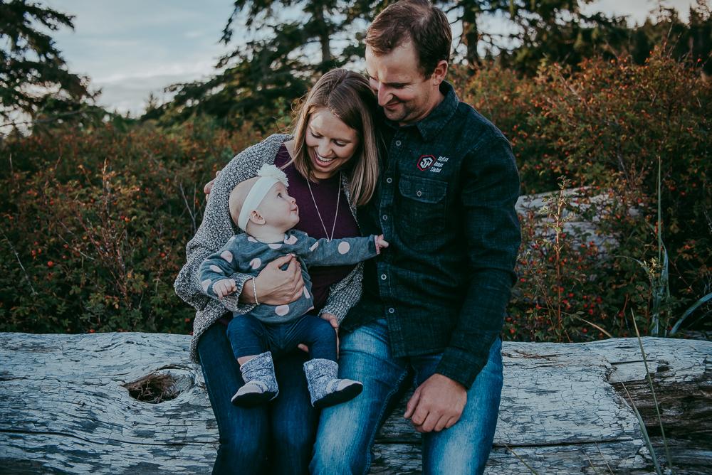 Sargent-Bay-Sunset-family-session-Sunshine-Coast-BC-Katie-Bowen-Photography-13.jpg