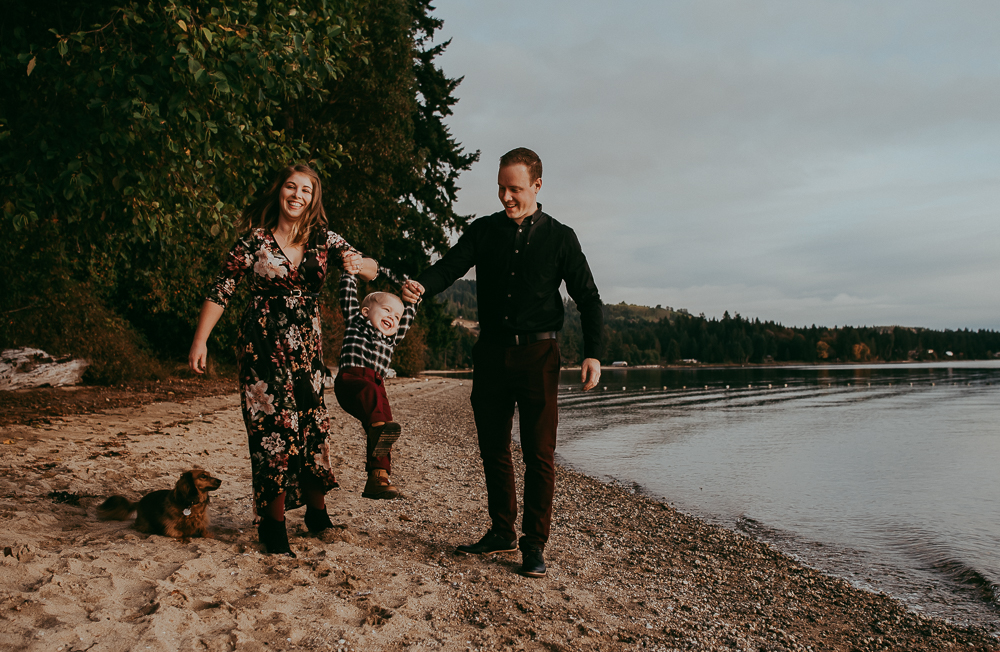 sargent-bay-family-photographer-session-Sunshine-Coast-BC-Katie-Bowen-Photography-4.jpg